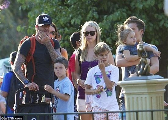 Gia đình Becks giản dị như mọi gia đình bình thường khi ra ngoài chơi.