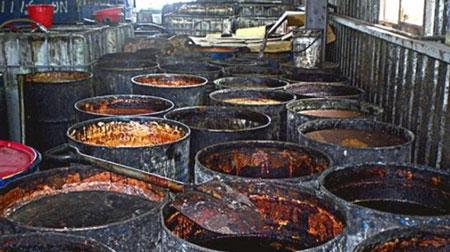 Rúng động: lật tẩy đường dây sản xuất dầu ăn siêu bẩn