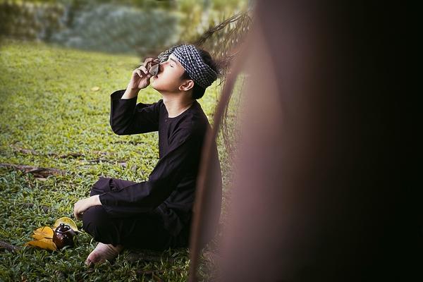 Ngoài khả năng hát được thể loại bán cổ điển cùng nhóm AYOR, Khắc Minh còn hát được nhiều thể loại như dân ca, trữ tình, boulero, tiền chiến… Hy vọng anh sẽ gìn giữ và phát huy trong thời gian sắp tới.