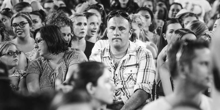 Những ông bố buồn khủng khiếp trong đêm liveshow One Direction