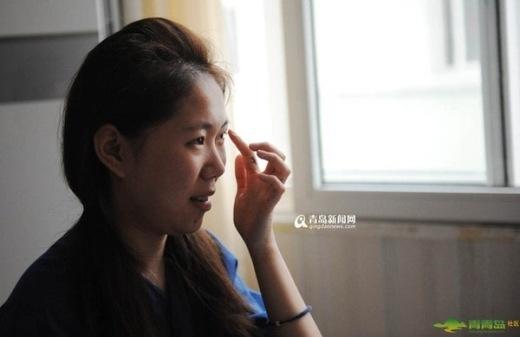 Cô gái phẫu thuật thẩm mỹ để...khỏi phải make-up hằng ngày