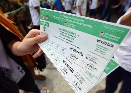 Không phải aicũng may mắn mua được vé với giá gốc.