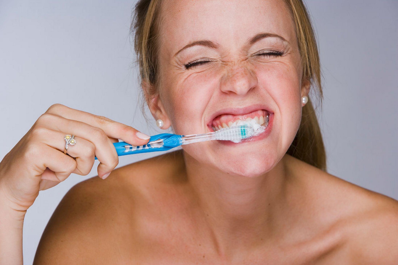 Kết quả hình ảnh cho quá rộng rãi đến các chất khiến trắng răng