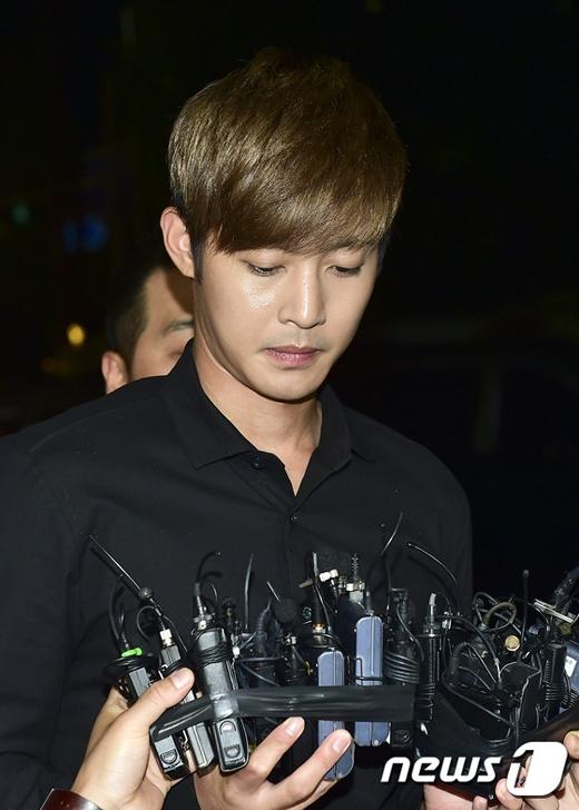Nếu không xin lỗi, bạn gái Kim Hyun Joong sẽ kiện đến cùng