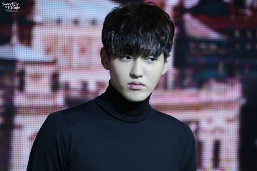 Kris lần đầu tiên xuất hiện trước công chúng sau khi rời khỏi EXO