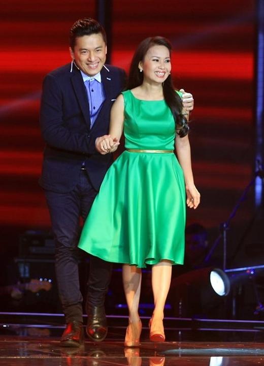Cặp đôi HLV Lam Trường và Cẩm Ly.