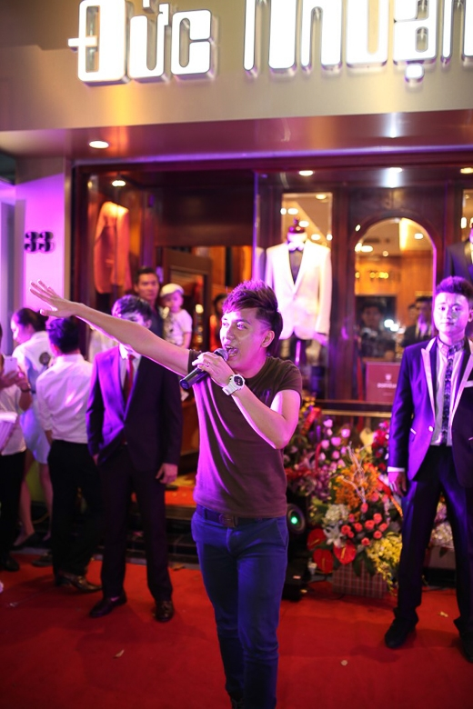 Quang Hà và Minh Vương M4U gây tắc đường tại Hà Nội - Tin sao Viet - Tin tuc sao Viet - Scandal sao Viet - Tin tuc cua Sao - Tin cua Sao