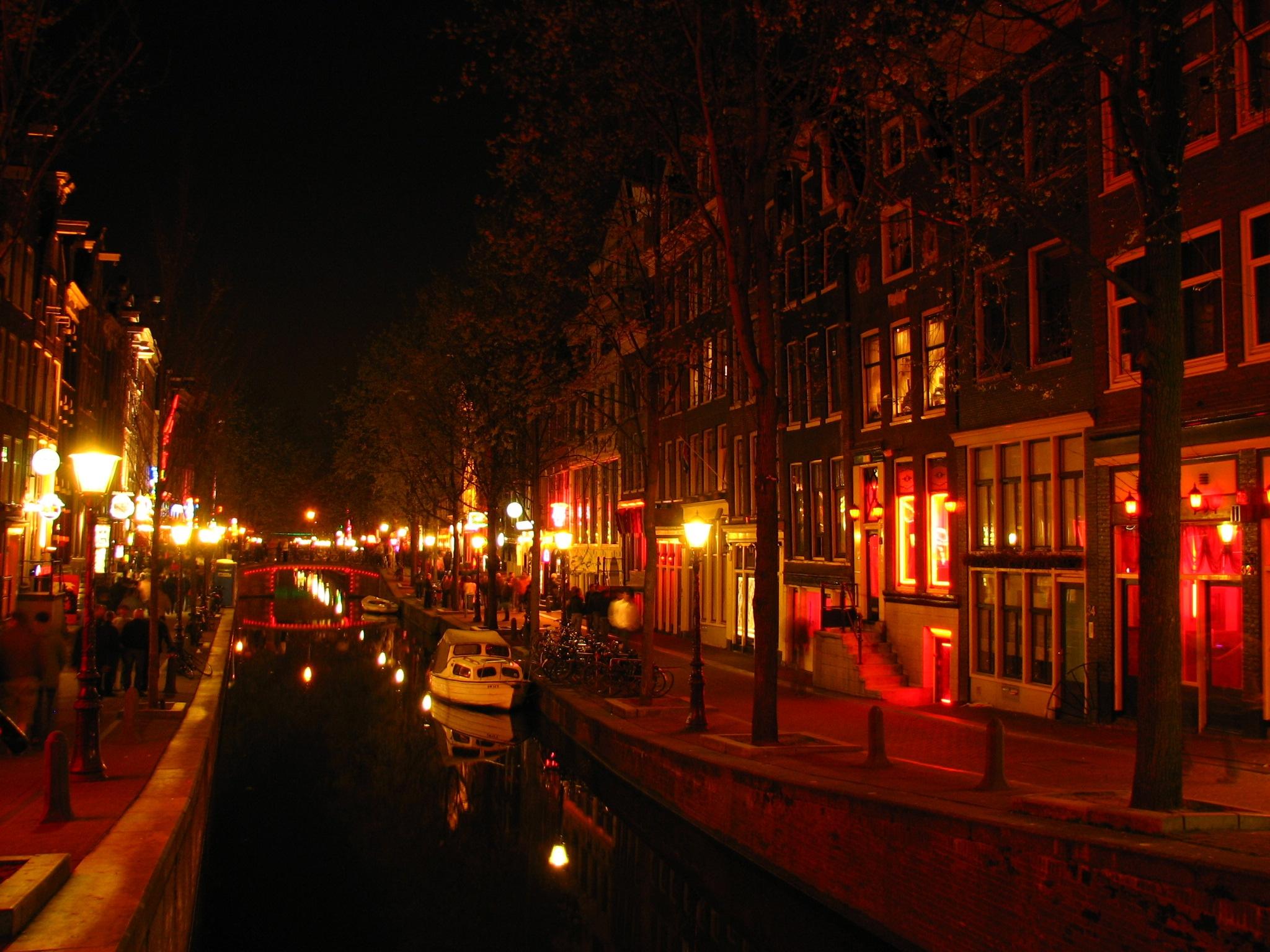 Những khu đèn đỏ tiếng tăm và nhộn nhịp nhất toàn cầu