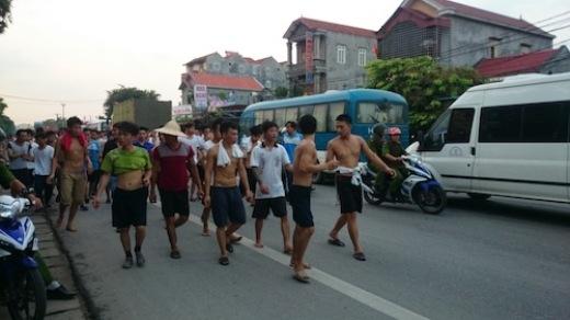 Vì sao 350 người cai nghiện trốn trại, cởi trần đi giữa phố?