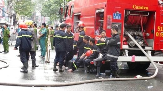 Cháy nhà dữ dội ở Sài Gòn, ít nhất 7 người chết