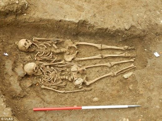 Cùng nắm tay nhau suốt 700 năm