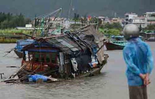 Hải Phòng, Quảng Ninh xác xơ sau bão số 3
