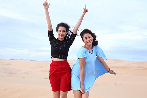Thu Thủy và Hồng Châu.