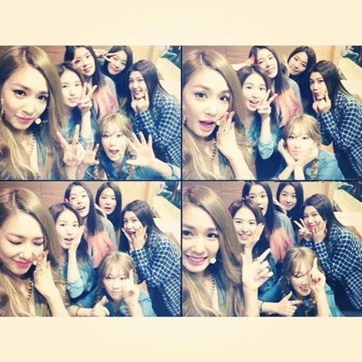 """Tiffany cũng vậy, tạo dáng cực đáng yêu với Taeyeon và Red Velvet và đăng lên trang Instagram của mình: """"Cám ơn những vị khách đặc biệt của chúng tôi ngày hôm nay. Những đứa nhỏ đáng yêu quá""""."""