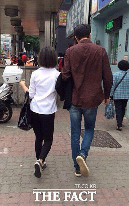 Bắt gặp Luna f(x) ngả ngớn với trai lạ ngoài đường