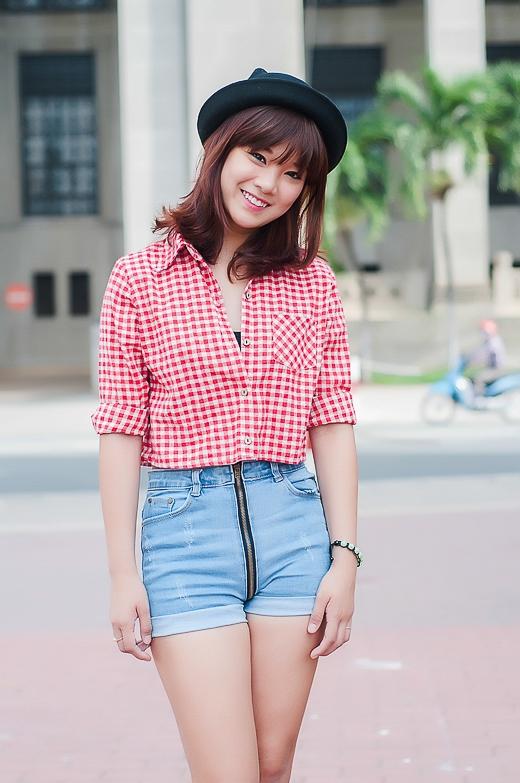 Hoàng Yến Chibi xinh tươi rạng ngời trong nắng Sài Gòn