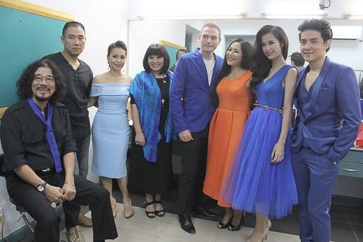 """Các nghệ sĩ tham gia trong chương trình """"Vợ chồng mình hát"""". Chương trình sẽ được phát sóng trên kênh HTV9 lúc 20g30, thứ năm hàng tuần, kể từ ngày 9/10/2014. - Tin sao Viet - Tin tuc sao Viet - Scandal sao Viet - Tin tuc cua Sao - Tin cua Sao"""