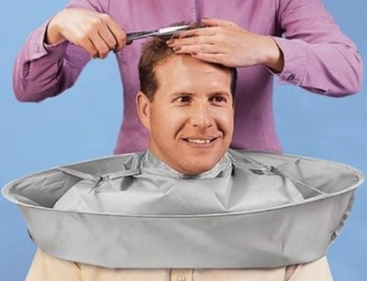 Dụng cụ hứng tóc 2 trong 1, vừa thu gom tóc hiệu quả, vệ sinh, vừa không để tóc rơi vào người khách hàng