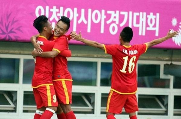 Olympic Việt Nam đang thi đấu ấn tượng tại ASIAD 17, thắng hai trận, ghi năm bàn và chỉ để thủng lưới một lần. Ảnh: TTVH.