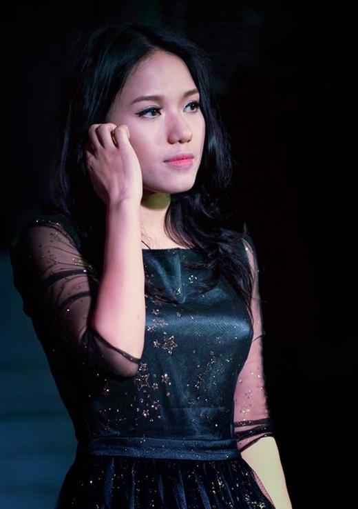 Sự trở lại gần đây của cô ca sĩ 24 tuổi khiến nhiều người ngỡ ngàng vì nhan sắc mặn mà và ra dáng một thiếu nữ trưởng thành