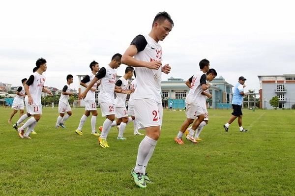 Theo HLV Phan Thanh Hùng, lứa cầu thủ Olympic Việt Nam hiện nay rất đẹp - Ảnh: Minh Tú
