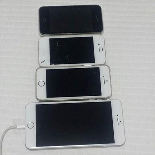 Leeteuk khoe bộ sưu tập Iphone từ 3GS, 4S, 5S và 6 plus