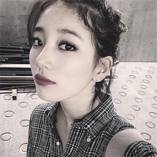 Suzy khoe hình tự sướng cực xinh đẹp và nói tôi yêu các bạn