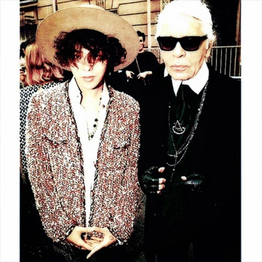G-Dragon bất ngờ khoe phong cách thời trang độc đáo