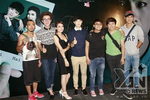 Sao Việt rủ nhau xem phim mới của đạo diễn 9x