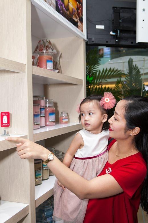 Thời gian Mai Phương có thai bé Lavie cũng nhận được sự giúp đỡ tư vấn rất nhiều từ Ốc Thanh Vân, nên hai người thường chia sẻ với nhau các thông tin về làm đẹp và chăm sóc sức khỏe.