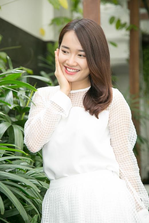 Mặc dù hơi lo lắng vì bất đồng ngôn ngữ nhưng nữ diễn viên chia sẻ rằng cô rất háo hức với chuyến đi 1 tháng sắp tới tại xứ sở kim chi.