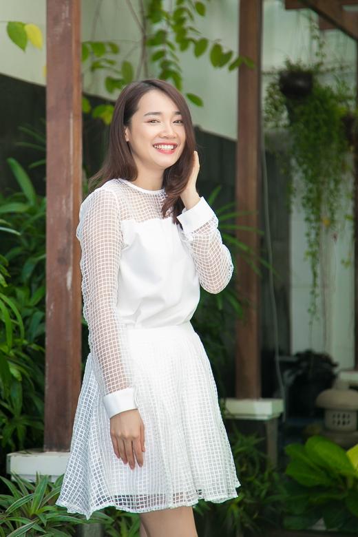 """""""Nàng Thêu"""" Nhã Phương rạng rỡ trước ngày sang Hàn Quốc đóng phim"""