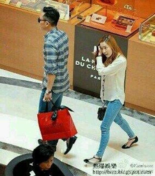Paparazzi Hong Kong nhiều lần bắt gặp Tyler và Jessica đi cùng nhau