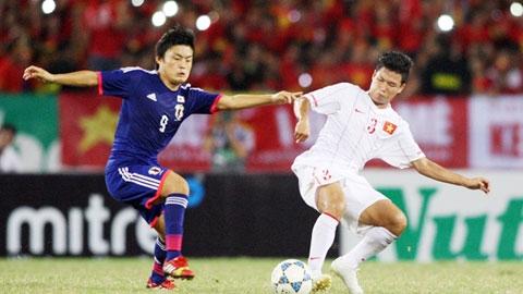Đông Triều (phải) và đồng đội luôn thi đấu cống hiến vì NHM