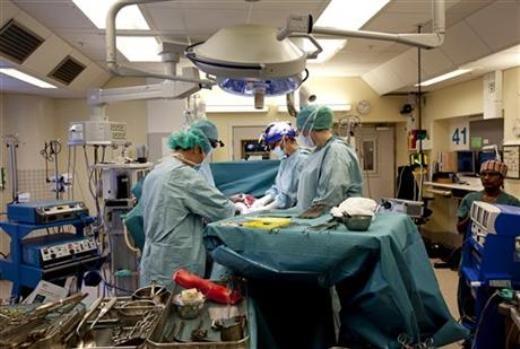 Ca cấy ghép tử cung được các chuyên gia Đại học Gothenburg tiến hành - Ảnh: Đại học Gothenburg