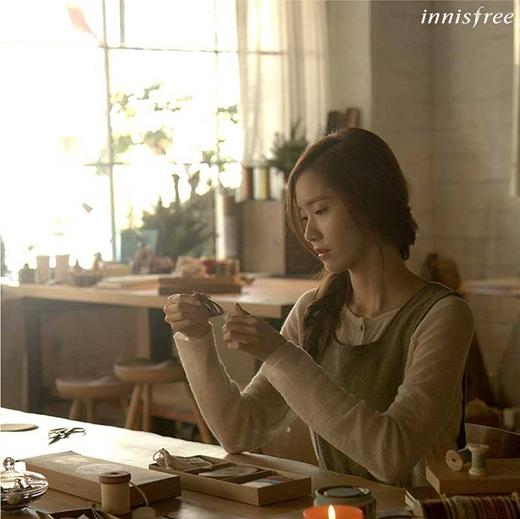 Lee Min Ho và Yoona tình cảm làm đồ handmade