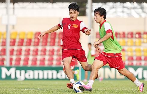 Miệt mài chuẩn bị gần một năm qua, bây giờ là thời điểm các cầu thủ U19 Việt Nam bung hết sức chinh phục đấu trường châu lục. Ảnh: Đức Đồng.