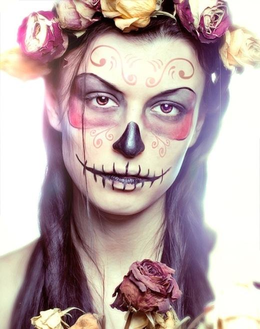 """Những kiểu hóa trang Halloween vừa """"rợn"""" người vừa gợi cảm"""