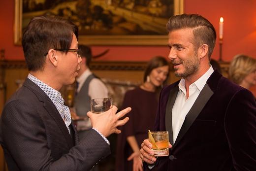 Vợ chồng Beckham chia sẻ khoảnh khắc ngọt ngào bên nhau