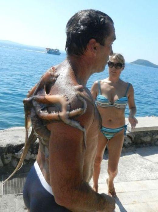 'Quà khuyến mãi' khi đi tắm biển
