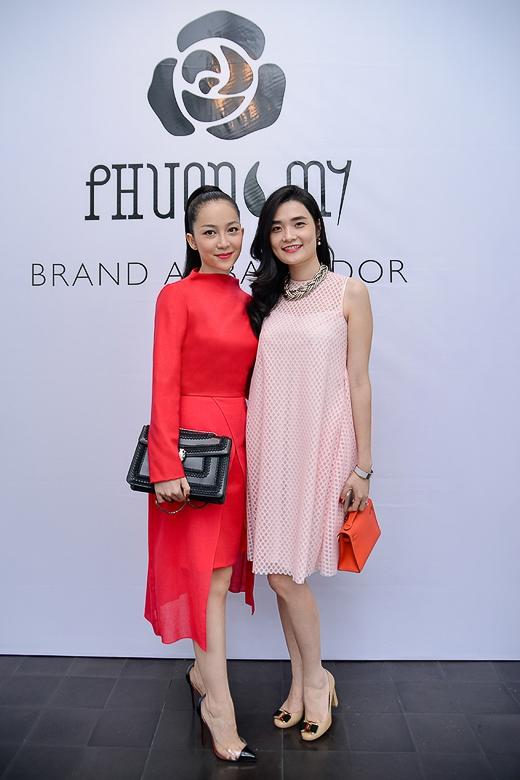 Dù mới xuất hiện tại Việt Nam được hơn một năm, các trang phục của thương hiệu PHUONG MY luôn mang đến sự mới lạ cho làng thời trang Việt. - Tin sao Viet - Tin tuc sao Viet - Scandal sao Viet - Tin tuc cua Sao - Tin cua Sao