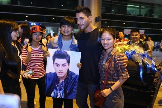 Á quân So you think you can dance mùa 7 Robert thu hútvới vẻ điển trai nhận được nhiều tình cảm của các fan Việt.