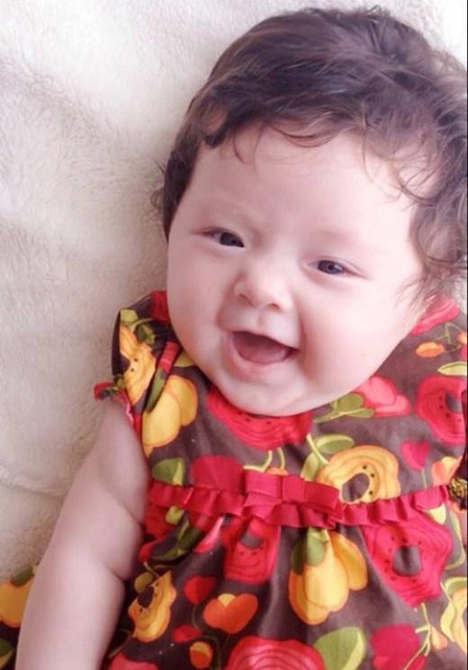 Elly Trần sinh Cadie từ tháng 8/2014, bằng phương pháp đẻ mổ
