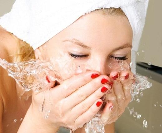 Cách chăm sóc da hiệu quả giúp ngăn ngừa mụn đầu đen