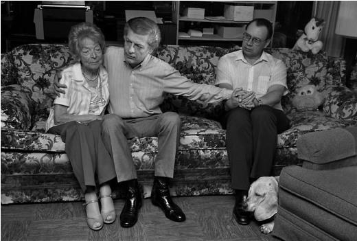 Gordon và Jim, cùng với mẹ của Gordon là bà Margot, San Diego, 1987