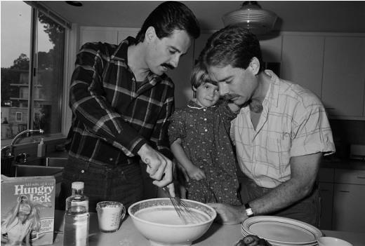 Bill và Ric, cùng với con gái của Ric là bé Kate, San Francisco, 1987