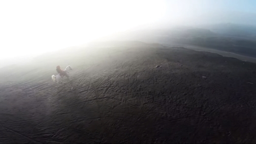 Một mình lên đỉnh núi Bromo