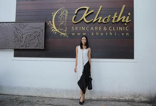 Sở hữu chiều cao 1m80 với gương mặt góc cạnh, cá tính cùng phong cách trình diễn ấn tượng… Trang Khiếu được xem là một trong những người mẫu thuộc hàng top của Việt Nam.