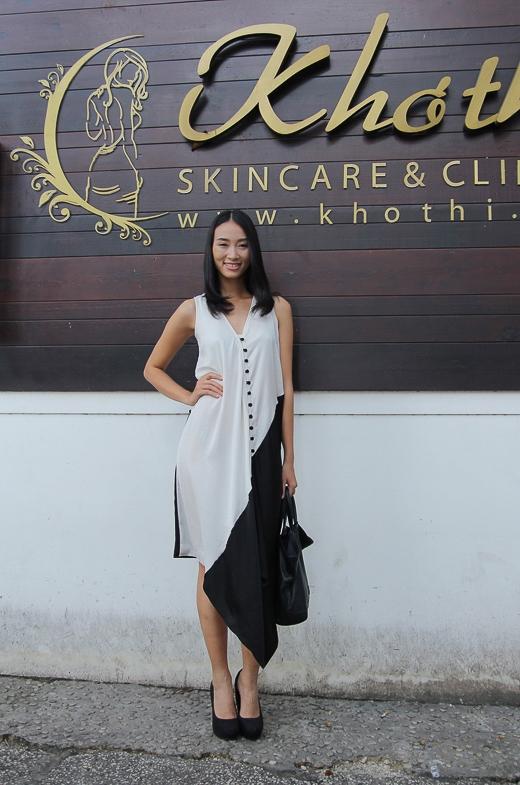 Ngoài ra, cô là số ít người mẫu Việt thành danh trên sàn diễn quốc tế.Sau khi bước ra từViet Nam's Next Top Model, với phong cách làm việc chuyên nghiệp cùng sự kiên trì, Trang Khiếu khá đắt show quảng cáo cũng như trình diễn thời trang lớn, nhỏ.
