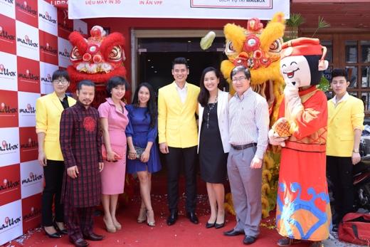 Người đàn ông được mệnh danh đẹp nhất Việt Nam quyết định chọn học về thời trang và quản trị 2 năm tại Singapore.